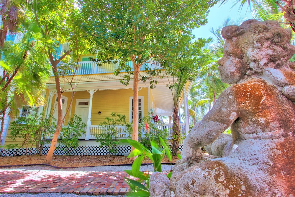 Property Grounds, The Southernmost House Hotel