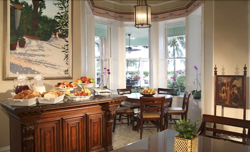 Dining, The Southernmost House Hotel