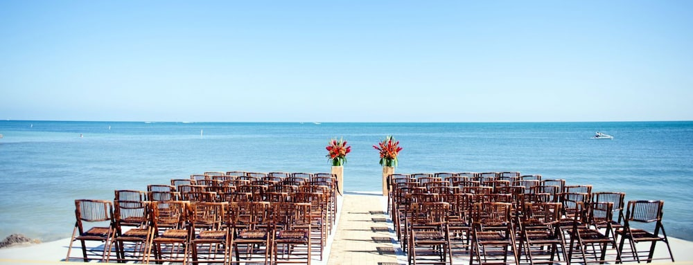 Outdoor Wedding Area, The Southernmost House Hotel