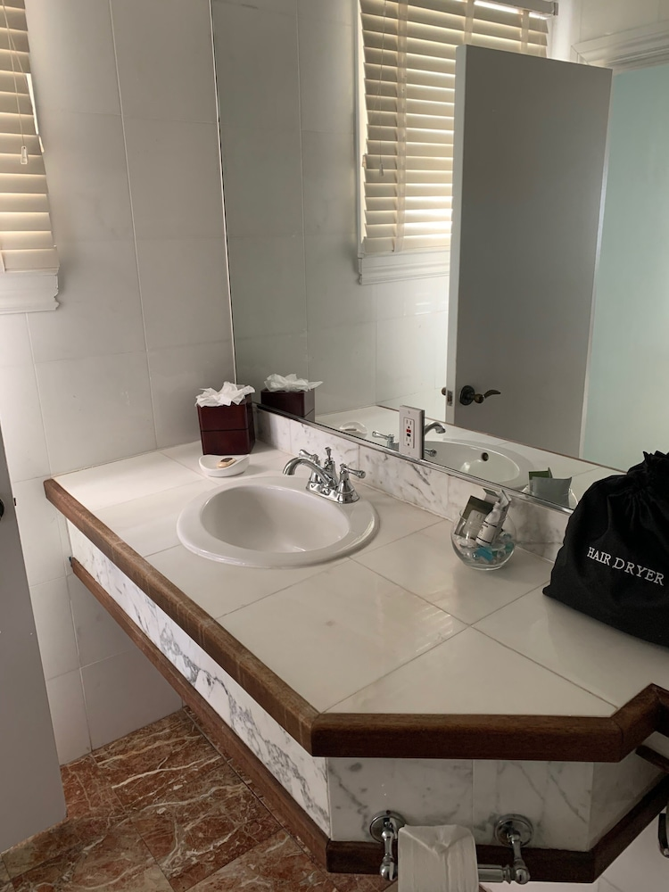 Bathroom, The Southernmost House Hotel