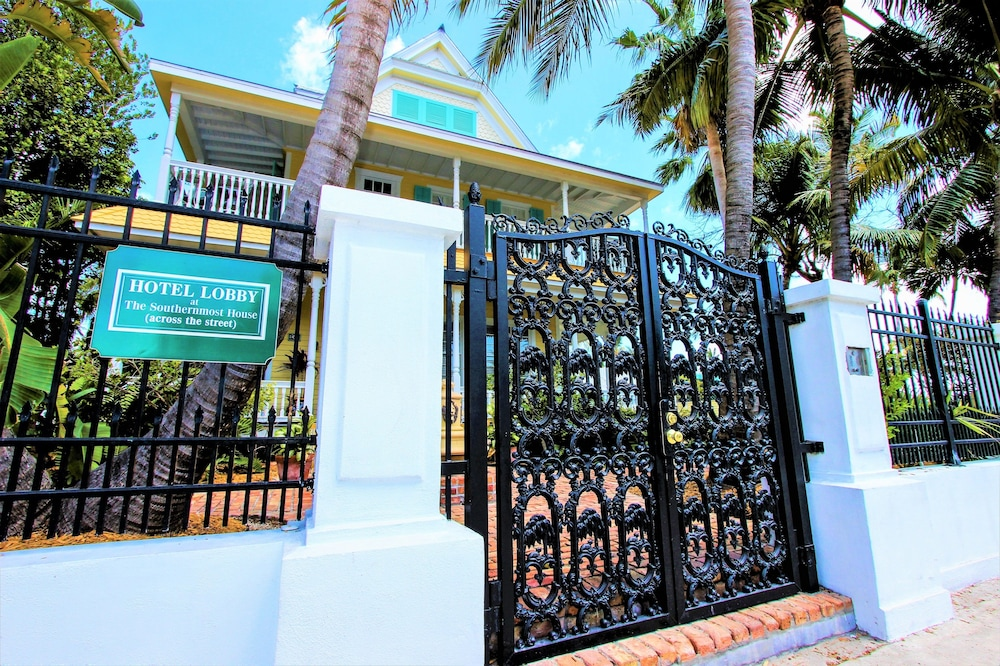 Front of Property, The Southernmost House Hotel