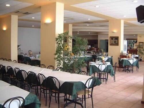 Hotel Tortorina Urbino Room Prices Reviews Travelocity