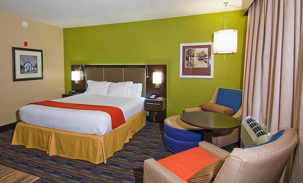 Room Amenity, Holiday Inn Express Hotel & Suites Fulton