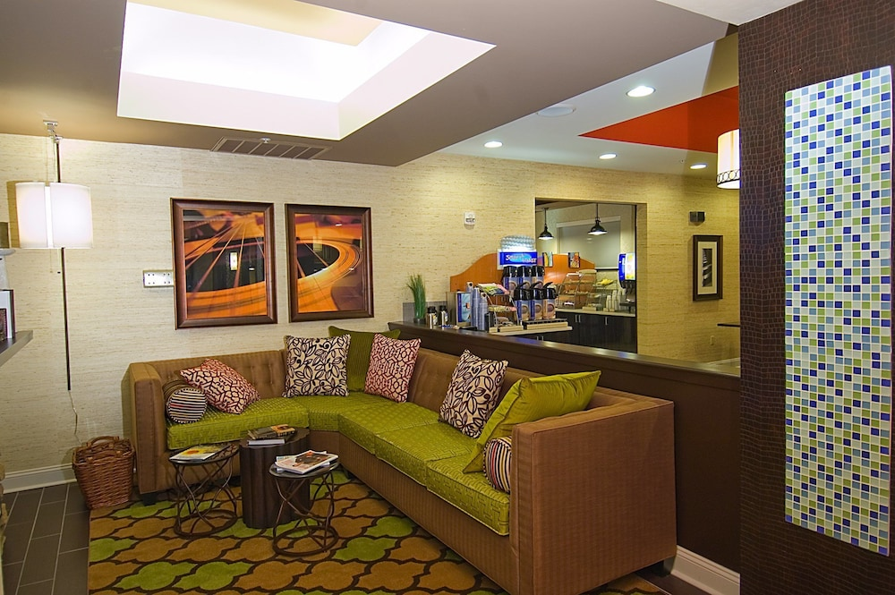 Lobby, Holiday Inn Express Hotel & Suites Fulton