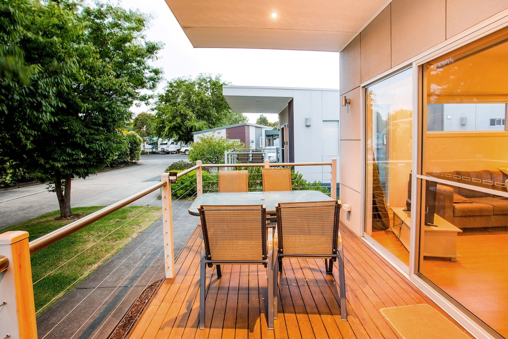 Balcony, Discovery Parks – Melbourne