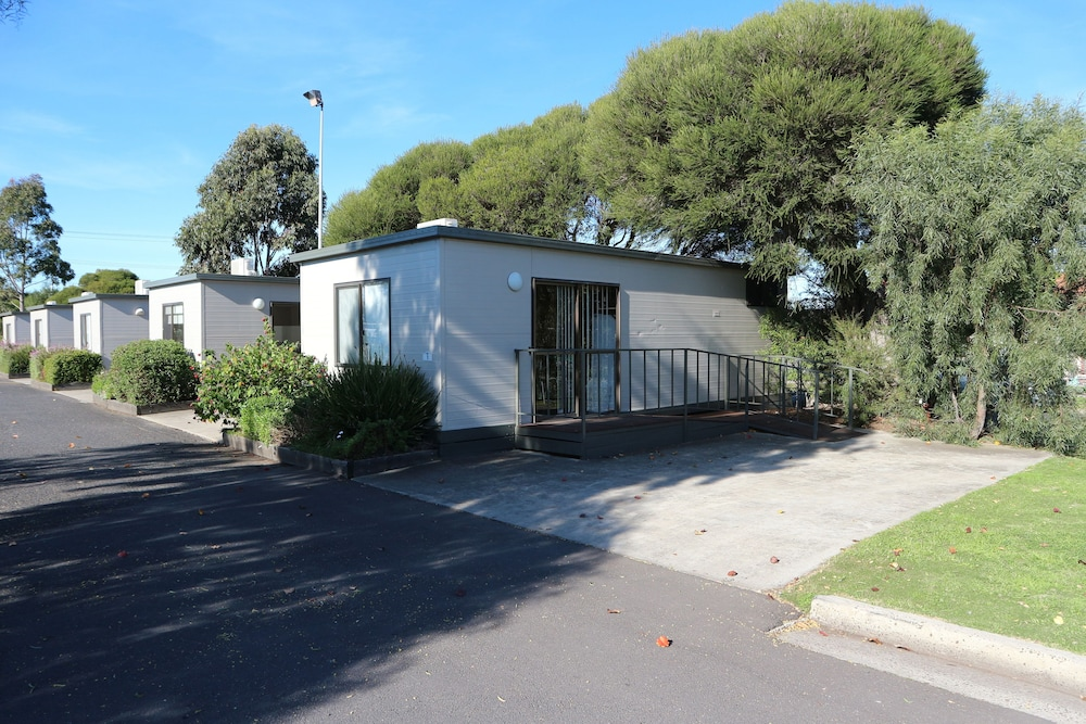 Front of Property, Discovery Parks – Melbourne