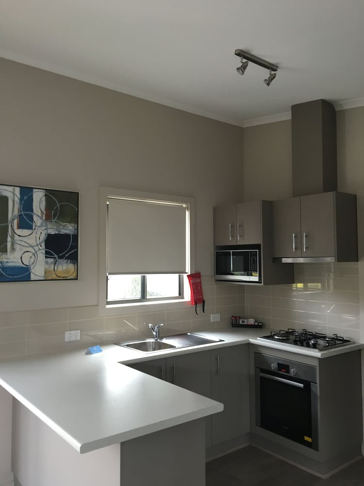 Private Kitchen, Discovery Parks – Melbourne