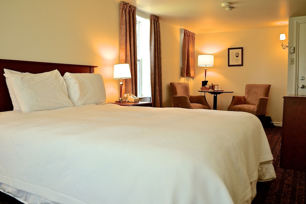 inverary resort in baddeck hotel rates reviews on orbitz. Black Bedroom Furniture Sets. Home Design Ideas