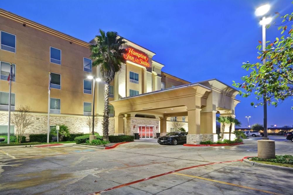Exterior, Hampton Inn & Suites San Antonio/Northeast I-35