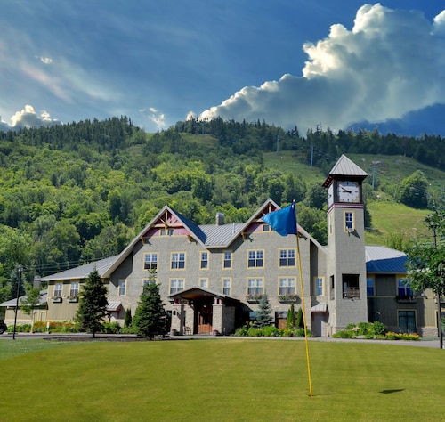 Check Expedia for Availability of Calabogie Peaks Resort