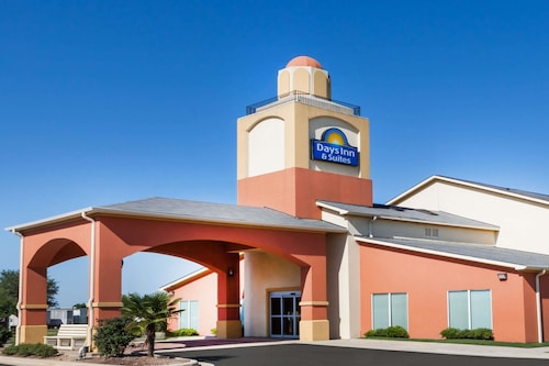 Days Inn And Suites Marquez