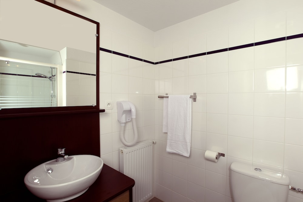 Bathroom, Appart'City Chalon-Sur-Saone