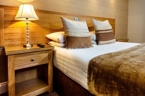 Fife Hotels/Accommodations