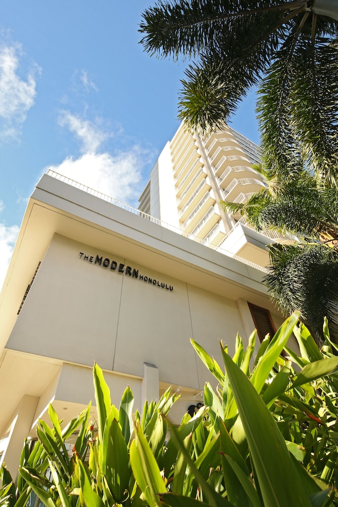 Front of Property, The Modern Honolulu by Diamond Resorts