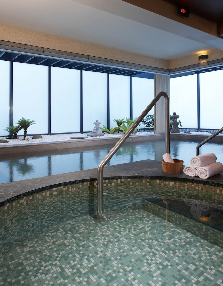 Indoor Spa Tub, Fleur de Chine Hotel