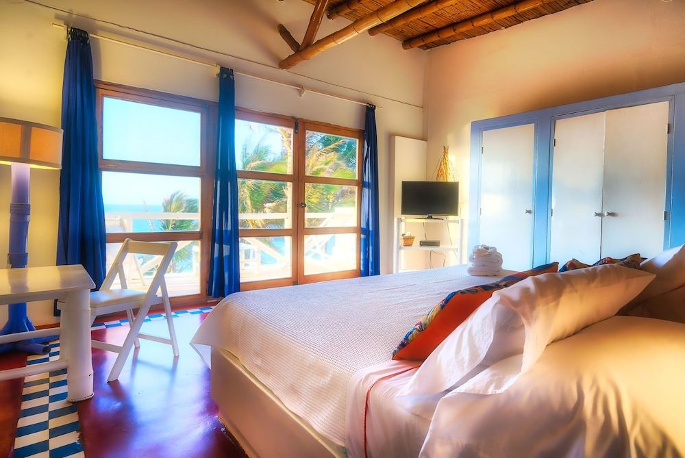 Room, Sunset Mancora