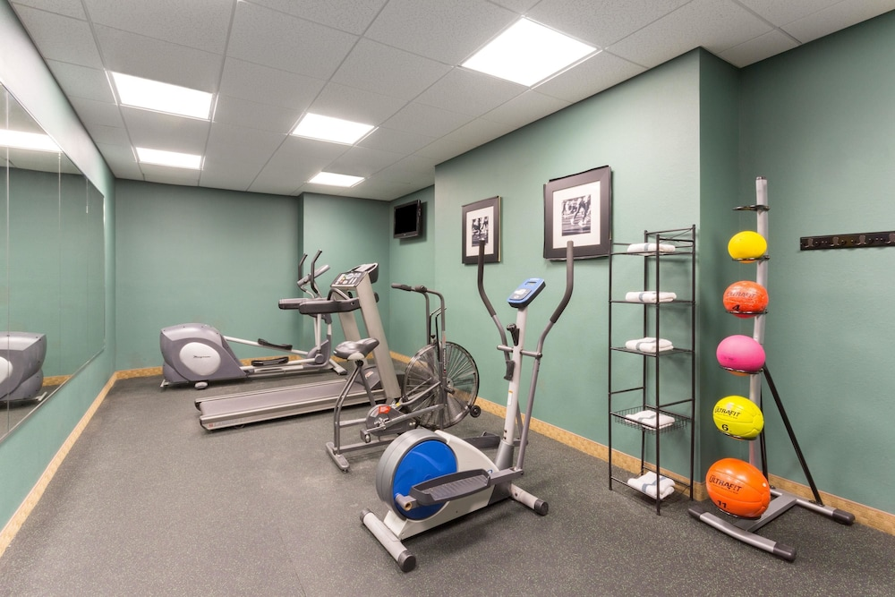 Fitness Facility, Days Inn by Wyndham Palm Coast
