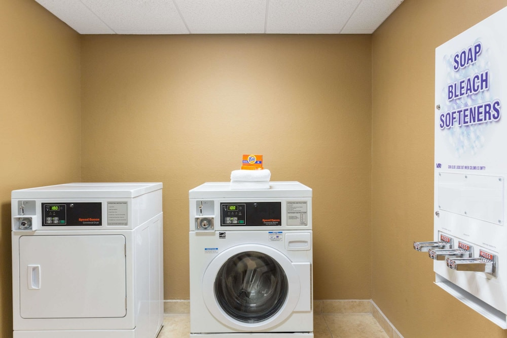 Laundry Room, Days Inn by Wyndham Palm Coast