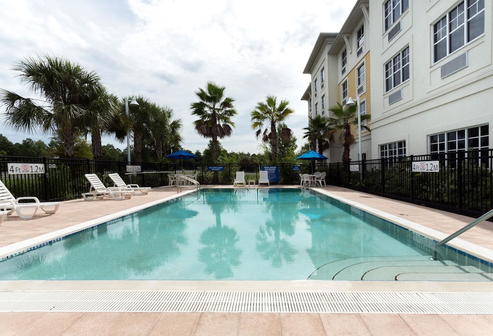 Pool, Days Inn by Wyndham Palm Coast