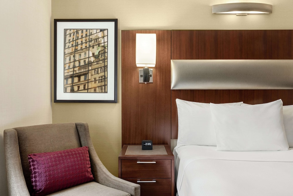 Room, DoubleTree by Hilton New York Downtown