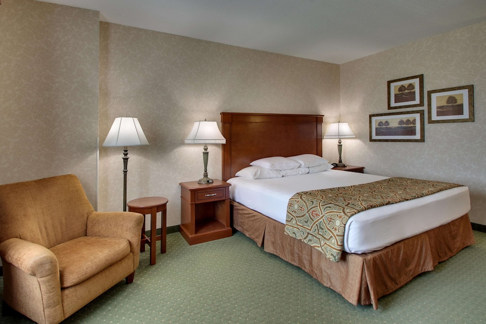 Room, Drury Inn & Suites St. Louis Arnold