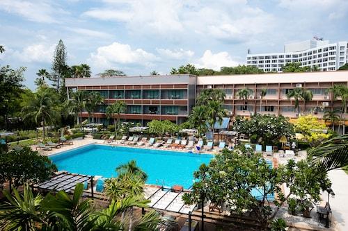 バサヤ ビーチ ホテル & リゾート