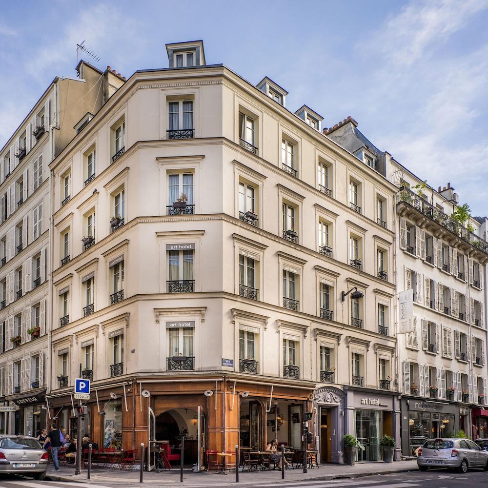 Art hotel batignolles paris france expedia for Hotel france