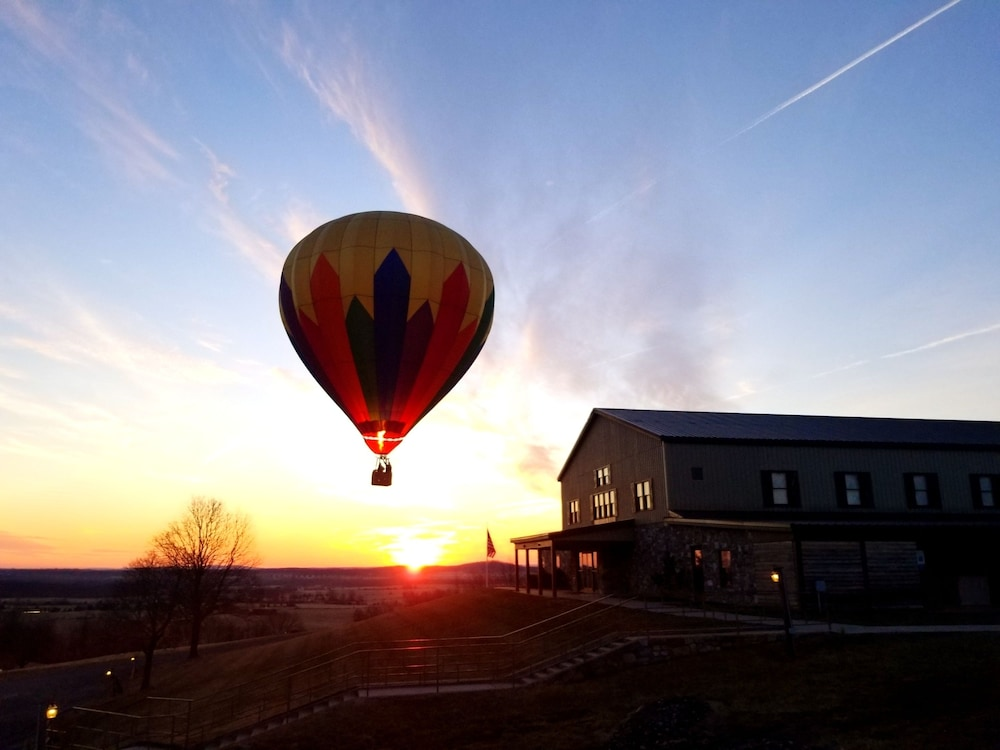 Helicopter/Plane Tours, The Lodges at Gettysburg