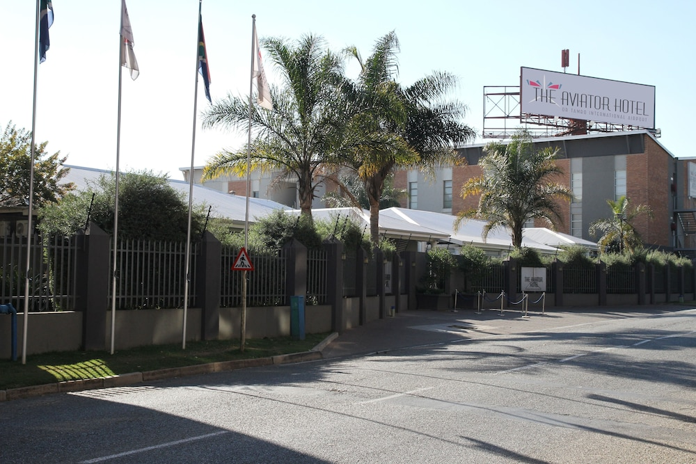 Property Entrance, The Aviator Hotel OR Tambo International Airport
