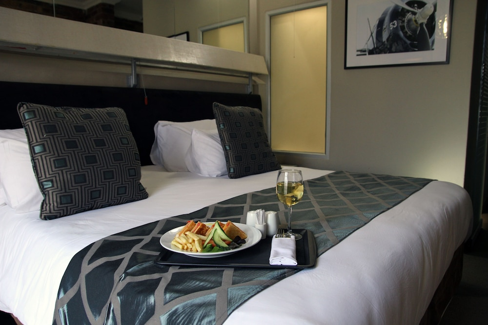 Room Service - Dining, The Aviator Hotel OR Tambo International Airport