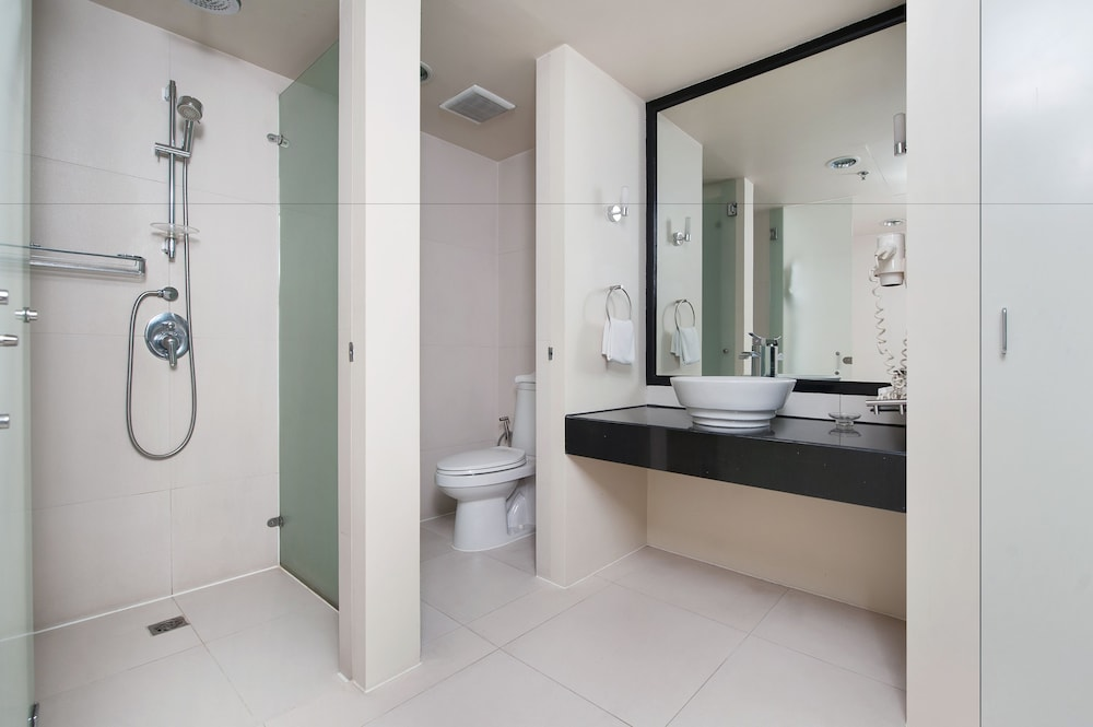 Bathroom, The Picasso Boutique Serviced Residences