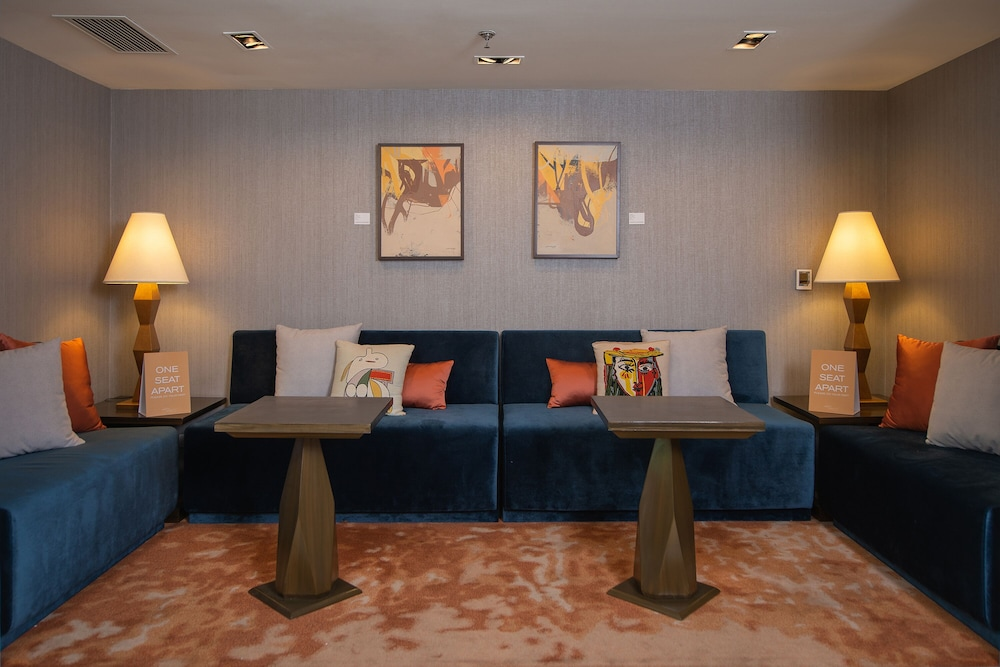 Lobby Sitting Area, The Picasso Boutique Serviced Residences