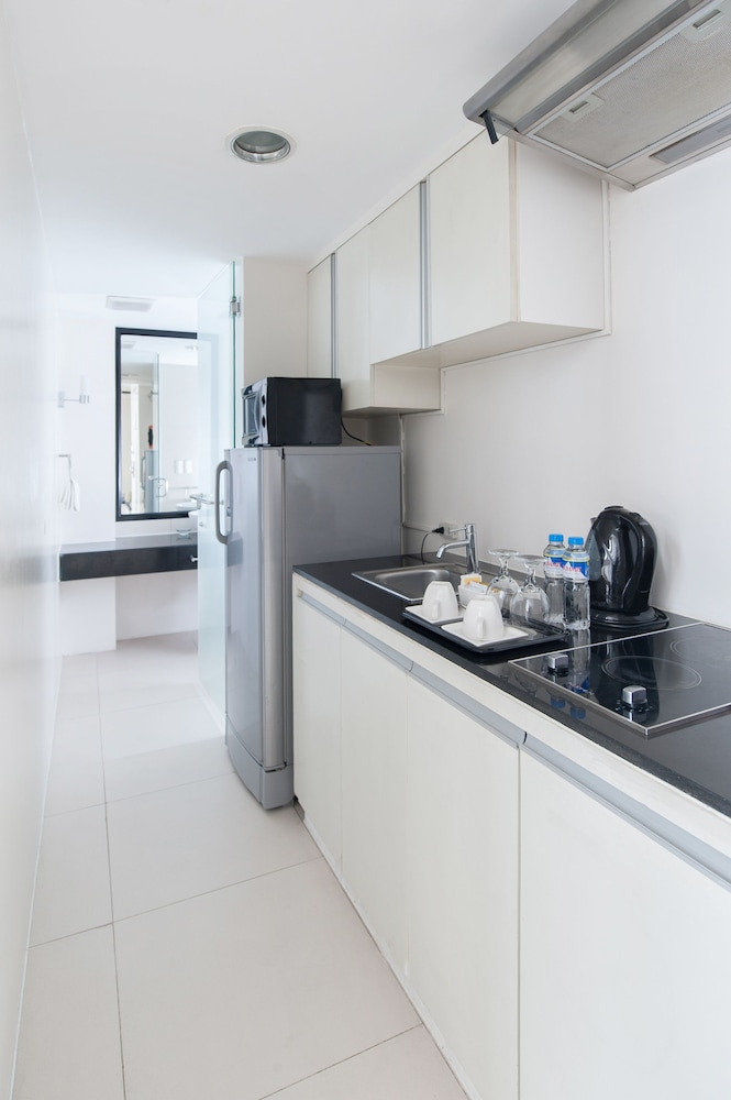 Private Kitchen, The Picasso Boutique Serviced Residences