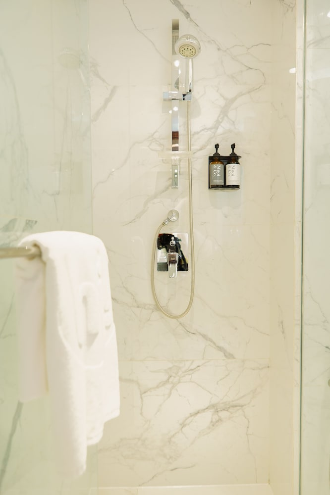 Bathroom Shower, The Picasso Boutique Serviced Residences