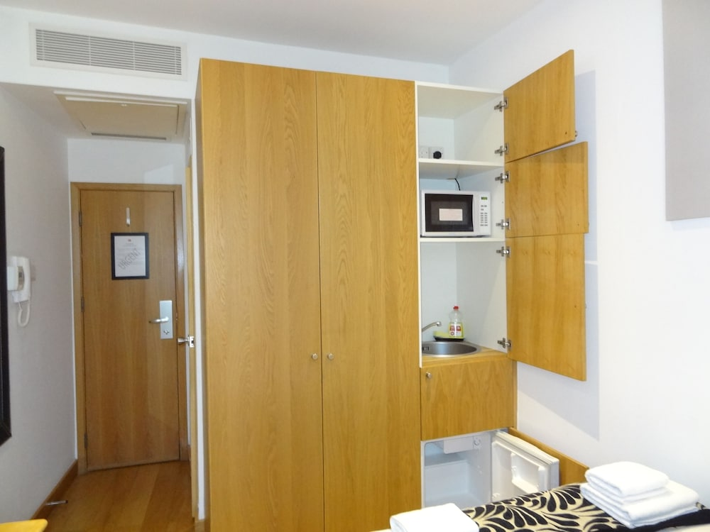 Room, Studios 2 Let Serviced Apartments - Cartwright Gardens