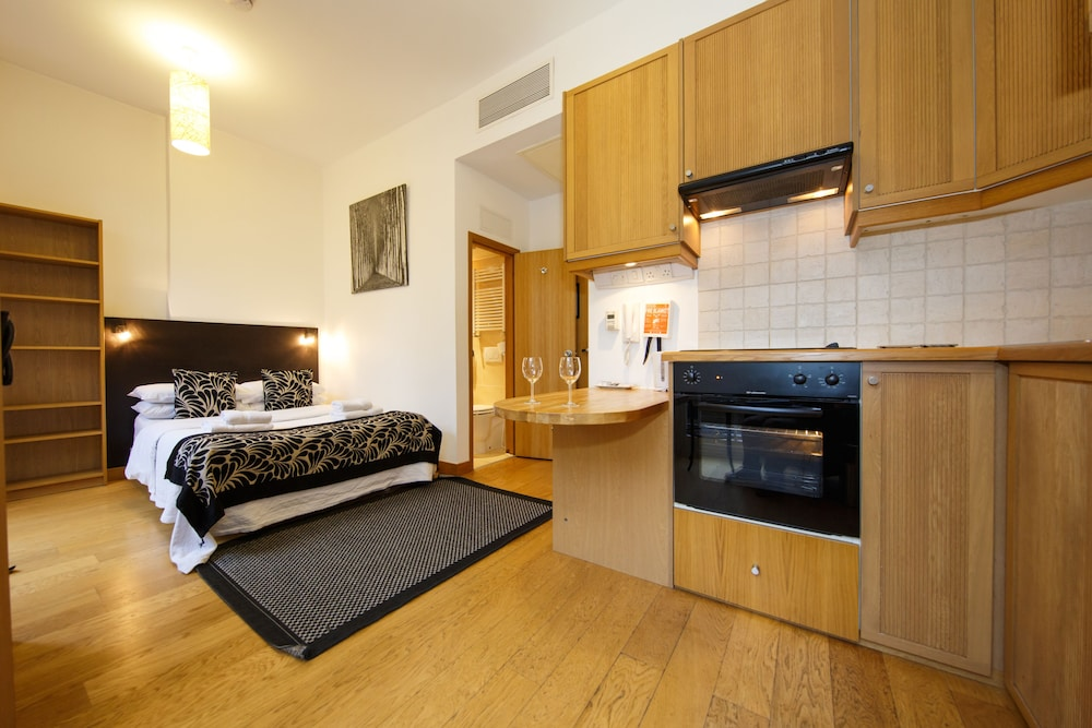Featured Image, Studios 2 Let Serviced Apartments - Cartwright Gardens