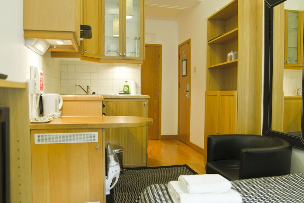 Private Kitchenette, Studios 2 Let Serviced Apartments - Cartwright Gardens