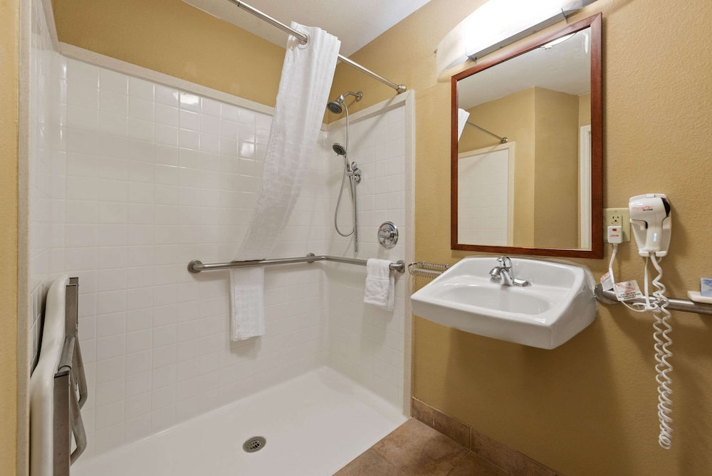 Bathroom, Extended Stay America - Lawton - Fort Sill