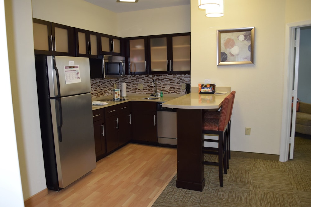 Private Kitchen, Staybridge Suites Houston Stafford - Sugar Land, an IHG Hotel