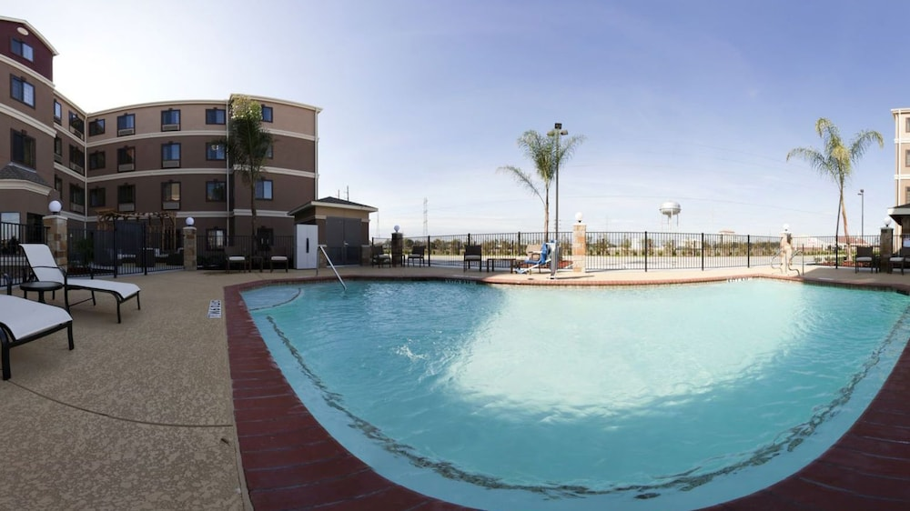 Outdoor Pool, Staybridge Suites Houston Stafford - Sugar Land, an IHG Hotel