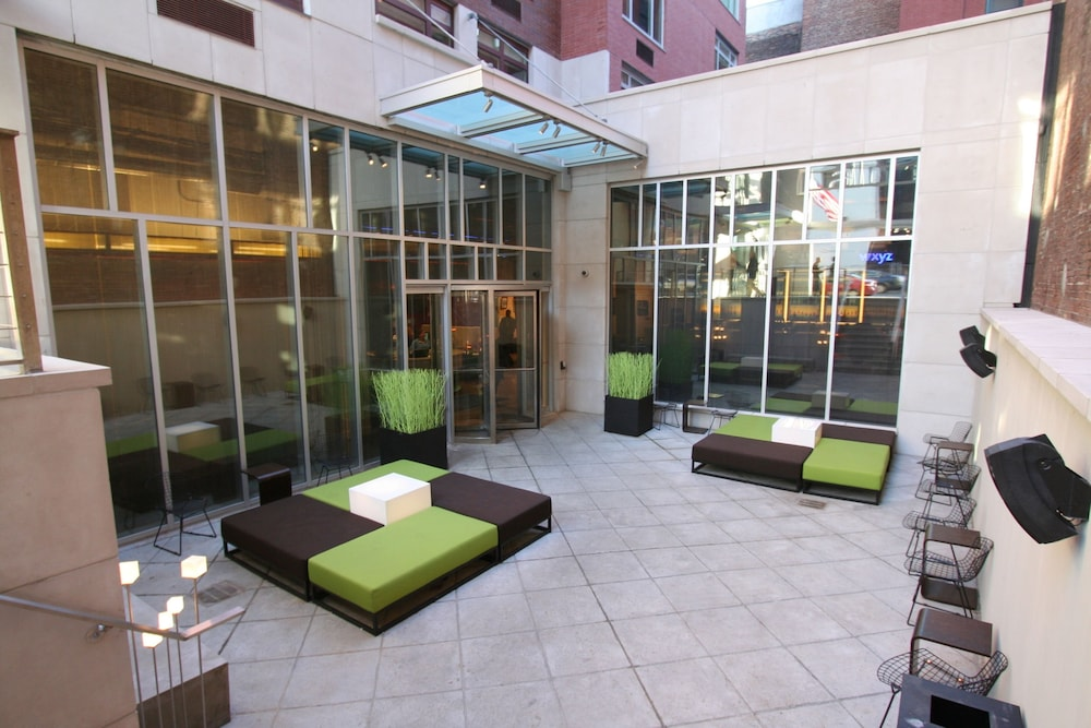 Courtyard, Aloft Harlem