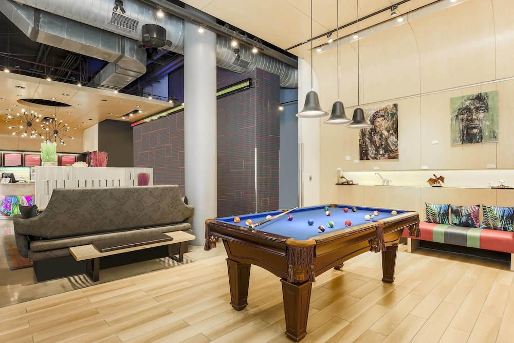 Billiards, Aloft Harlem