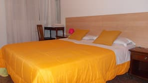4 bedrooms, premium bedding, memory foam beds, in-room safe