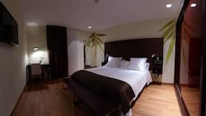 Select Comfort beds, free minibar, in-room safe, desk