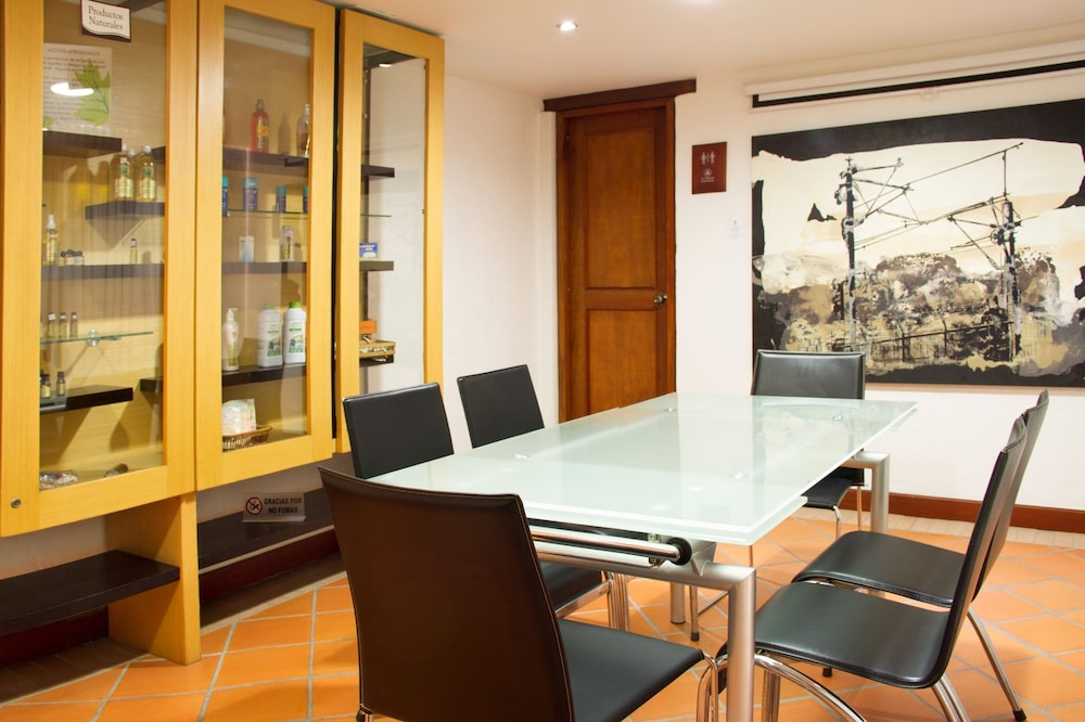 Business Center, La Campana Hotel Boutique