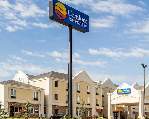 Check Expedia for Availability of Comfort Inn And Suites Perry