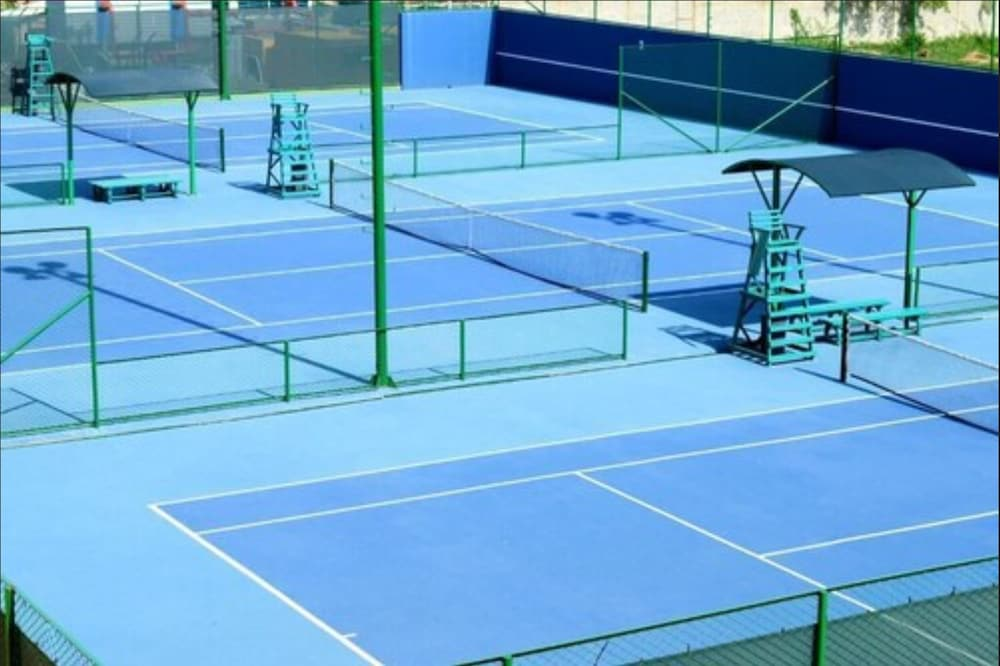 Tennis Court, Zuana Beach Resort