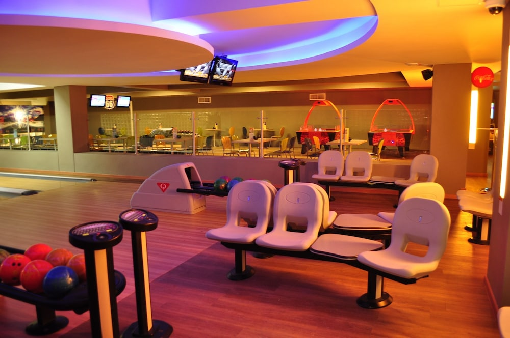 Bowling, Zuana Beach Resort