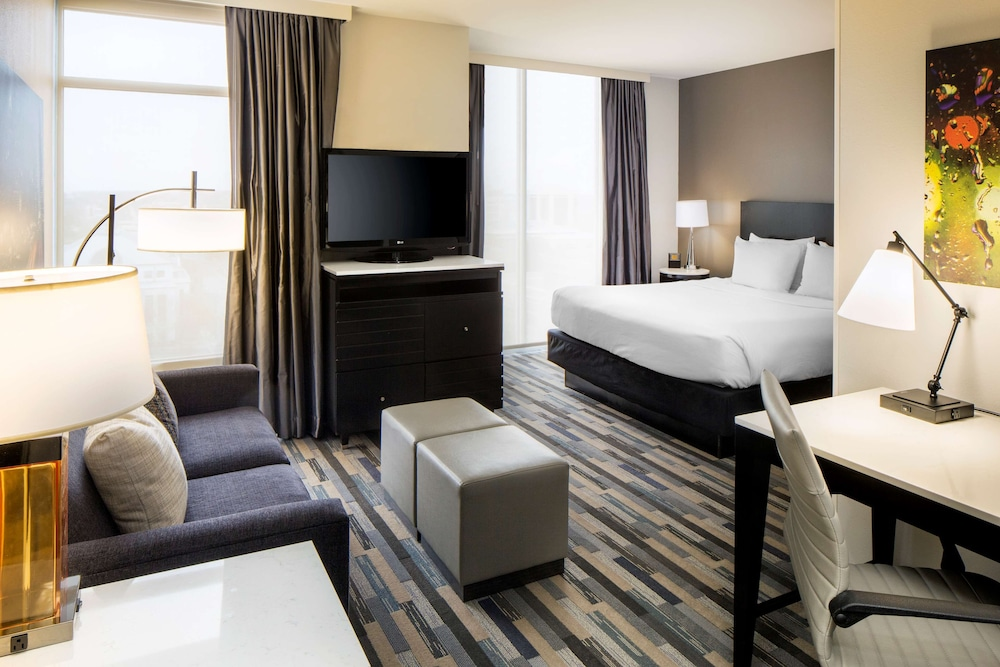 Room, HYATT house Charlotte/Center City