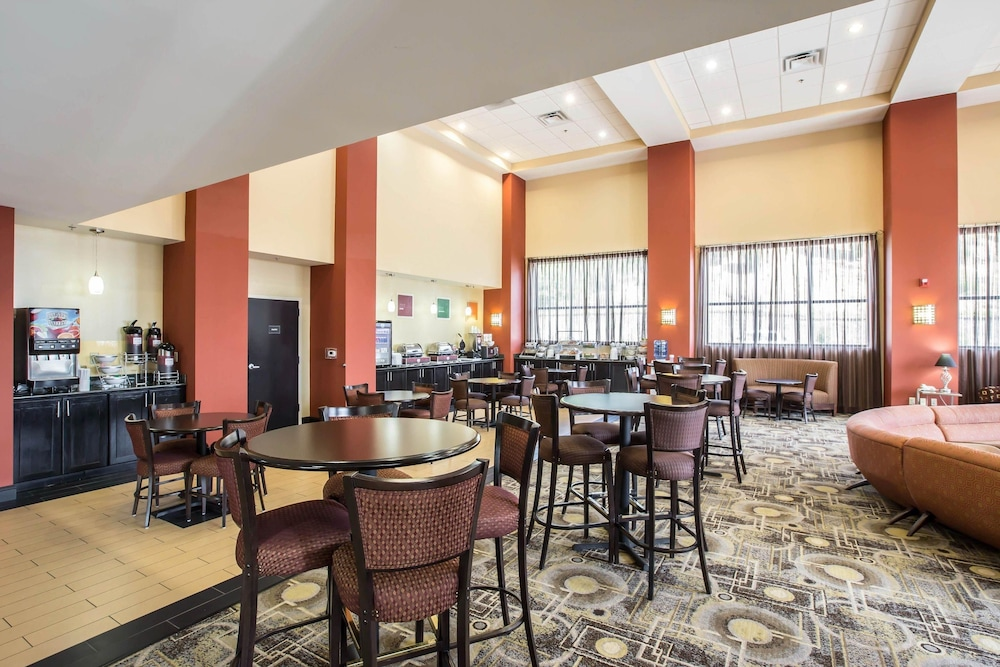 Breakfast Area, Comfort Suites Kingsport